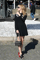 Zoey Deutch - Show MIU MIU - Paris Fashion Week Womenswear Spring/Summer 2017 - 5 octobre 2016 - FRANCE