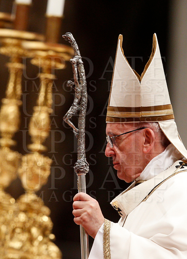 Pope Francis celebrates the Christmas Eve mass in St. Peter's Basilica, Vatican, 24 December 2017.<br /> UPDATE IMAGES PRESS/Riccardo De Luca<br /> <br /> STRICTLY ONLY FOR EDITORIAL USE
