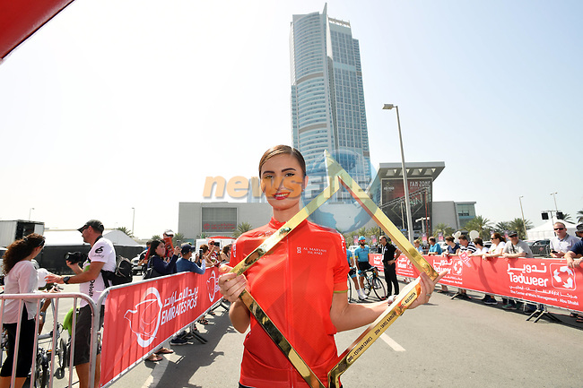 The winners trophy is paraded at sign on before the start of Stage 3 of the 2018 Abu Dhabi Tour, Nation Towers Stage running 133km from Nation Towers to Big Flag, Abu Dhabi, United Arab Emirates. 23rd February 2018.<br /> Picture: LaPresse/Massimo Paolone   Cyclefile<br /> <br /> <br /> All photos usage must carry mandatory copyright credit (© Cyclefile   LaPresse/Massimo Paolone)