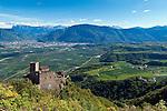 Italy, Alto Adige - Trentino (South Tyrol), Community Appiano sulla Strada del Vino: view at Appiano Castle, at background  city of Bolzano | Italien, Suedtirol, bei Bozen, Gemeinde Eppan: Blick auf Schloss Hocheppan, im Hintergrund liegt die Stadt Bozen