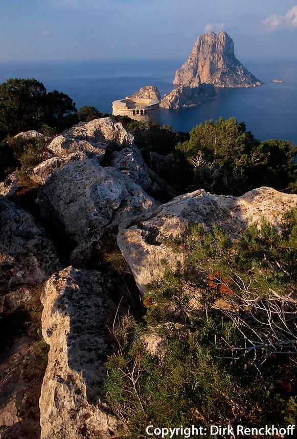Blick auf die Insel Es Vedra,  Cap del Jueu, Ibiza, Balearen, Spanien