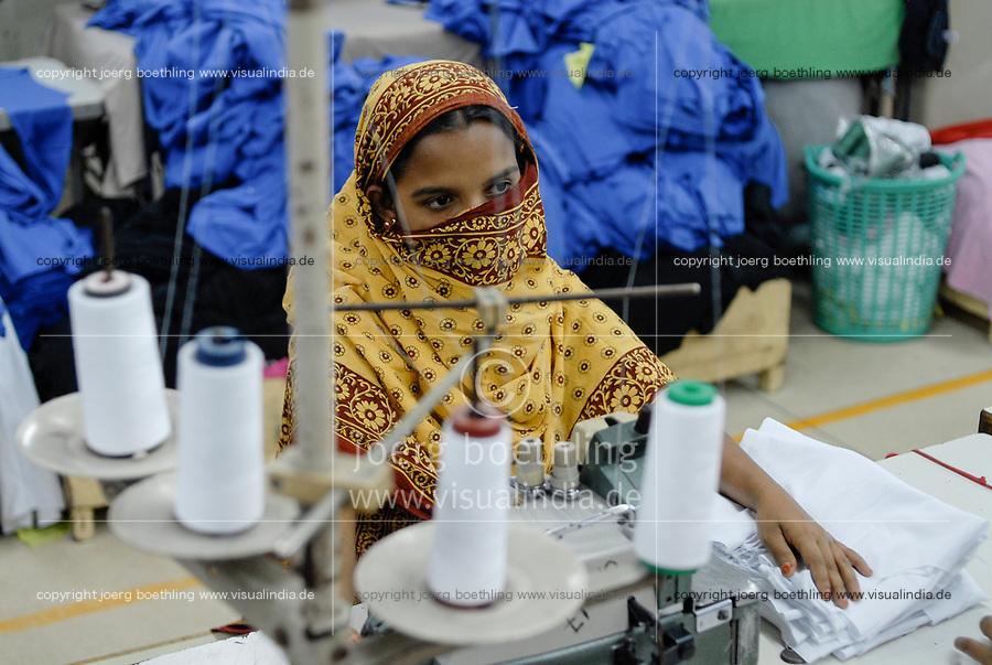 BANGLADESH , textile production in Dhaka , textile factory produce cheap textiles for export for western discounter / BANGLADESCH , Textilfabrik in Dhaka produziert billige Textilien fuer den Export fuer westliche Textildiscounter