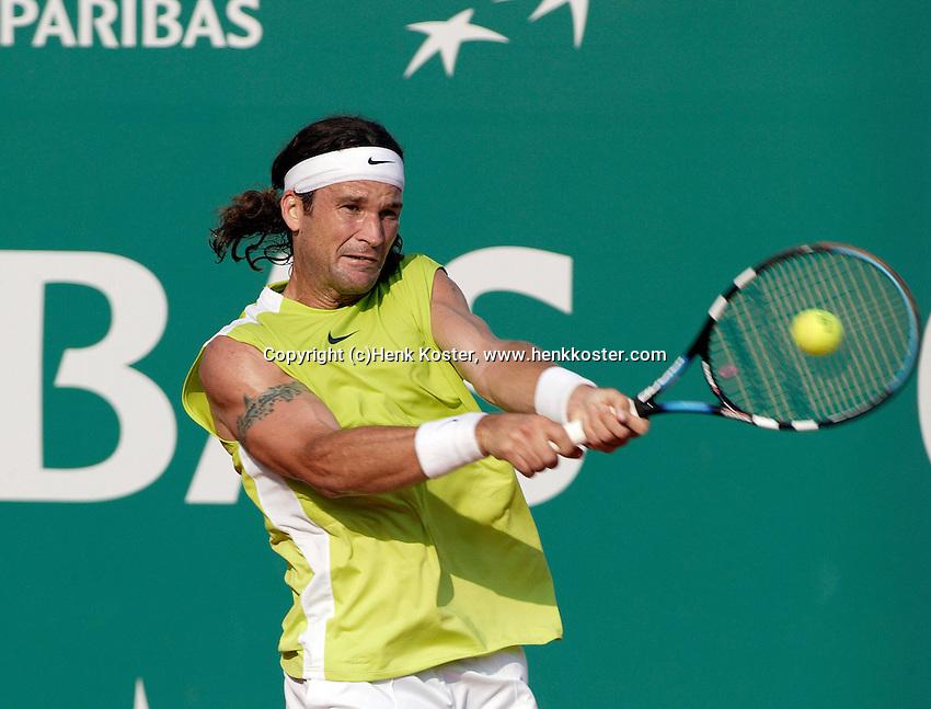 18-4-06, Monaco, Tennis,Master Series, Moya in action against Gonzalez