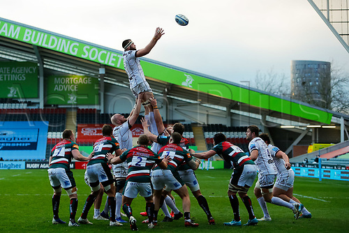 21st November 2020; Welford Road Stadium, Leicester, Midlands, England; Premiership Rugby, Leicester Tigers versus Gloucester Rugby; Lewis Ludlow of Gloucester Rugby takes the ball at a line out