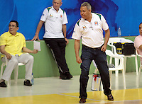 BUCARAMANGA -COLOMBIA, 20-03-2013.José Dilone técnico de Búcaros gesticula durante partido contra Academia en la fecha 2 fase II de la Liga DirecTV de baloncesto profesional colombiano 2013 disputado en la ciudad de Bucaramanga./ Bucaros' coach Jose Dilone gestures during game againstAcademia on the second date phase II of DirecTV League of professional Basketball of Colombia 2013 at Bucaramanga city . Photo:VizzorImage / Jaime Moreno / STR