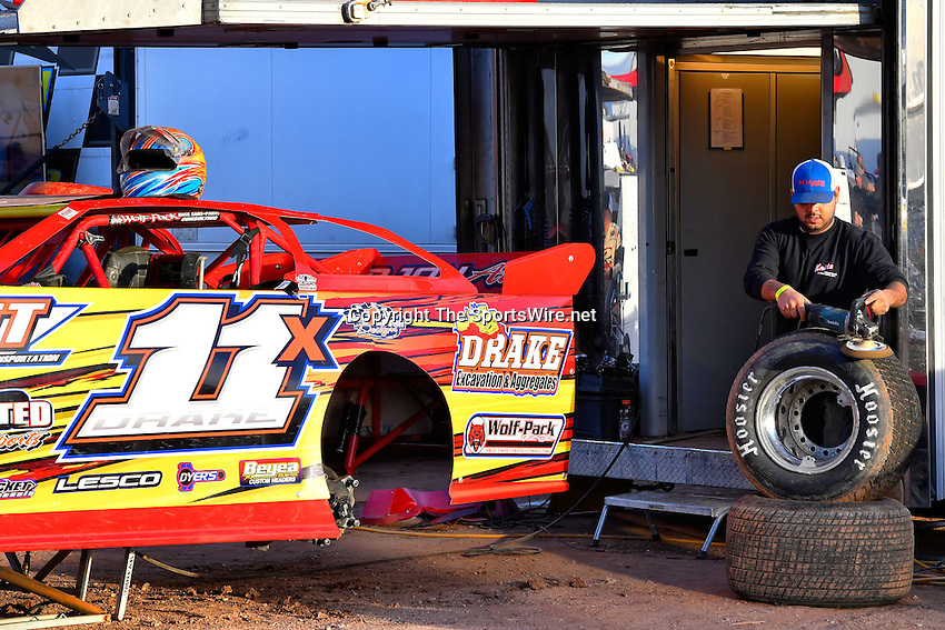 Jan 7, 2017; 4:51:03 PM; QUEEN CREEK, AZ., USA; 11th Annual Keyser Manufacturing Wild West Shootout at Arizona Speedway presented by O'Reilly Auto Parts. Mandatory Credit: (thesportswire.net)