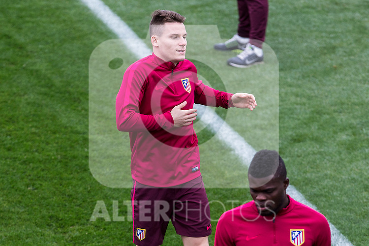 Atletico de Madrid's Kevin Gameiro during the official training of Atletico de Madrid  before the Champions League match between Atletico de Madrid and PSV Eindhoven at Cerro del Espino in Madrid , Spain. November 22, 2016. (ALTERPHOTOS/Rodrigo Jimenez)