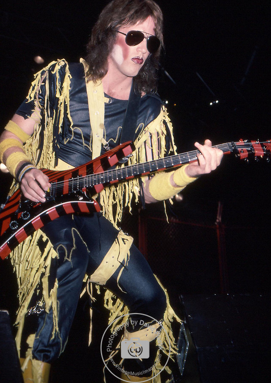 TWISTED SISTER Twisted Sister,