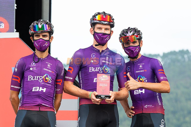 Jetse Bol (NED) Burgos-BH most aggressive rider from yesterday's stage at sign on before the start of Stage 17 of La Vuelta d'Espana 2021, running 185.8km from Unquera to Lagos de Covadonga, Spain. 1st September 2021.     <br /> Picture: Cxcling   Cyclefile<br /> <br /> All photos usage must carry mandatory copyright credit (© Cyclefile   Cxcling)