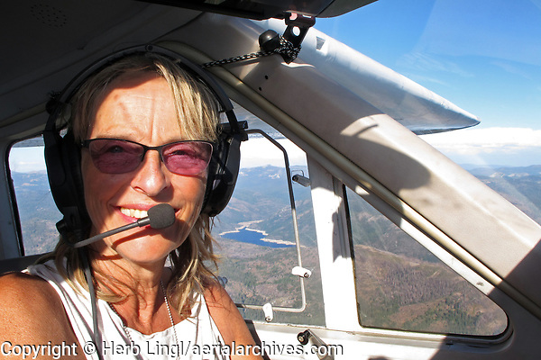 Sibylle Allgaier piloting Cessna Cardinal, N30765 over California's gold country
