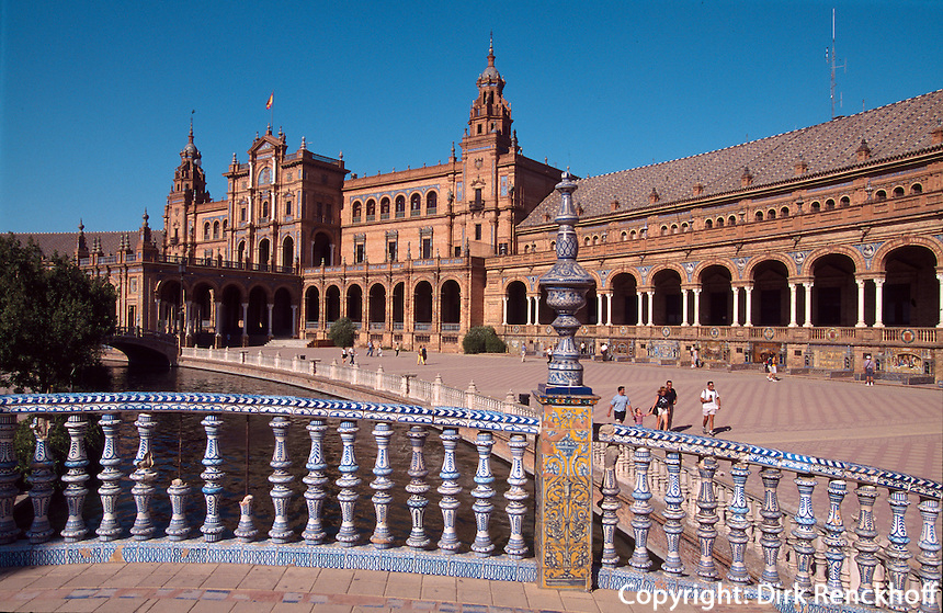 Spanien, Andalusien, Plaza de Espana erbaut zur Weltausstellung von 1929 in Sevilla