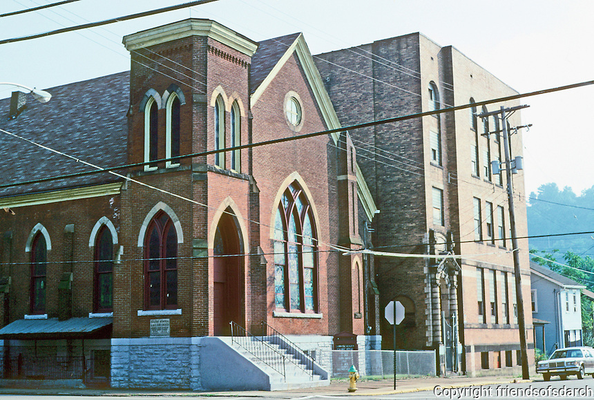 Pittsburgh: Braddock, Bethel Memorial A.M.E. Zion Church. 6th & Talbot with Parish House. Photo 2001.