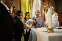 ARCHIVE - Bapteme catholique, Montreal<br /> <br /> PHOTO :  Agence Quebec Presse