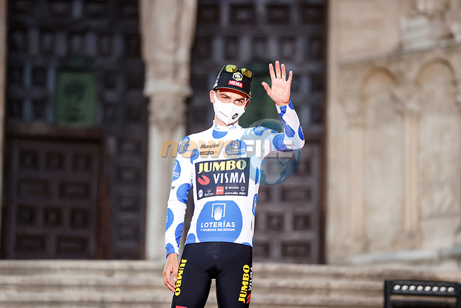 Sepp Kuss (USA) Jumbo-Visma wears the first mountains Polka Dot Jersey after Stage 1 of La Vuelta d'Espana 2021, a 7.1km individual time trial around Burgos, Spain. 14th August 2021.    <br /> Picture: Luis Angel Gomez/Photogomezsport | Cyclefile<br /> <br /> All photos usage must carry mandatory copyright credit (© Cyclefile | Luis Angel Gomez/Photogomezsport)