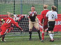 Denmark U17 - Germany U17 : doelvrouw Miriam Hanemann (GK) (C). aan de bal.foto Joke Vuylsteke / Vrouwenteam.be