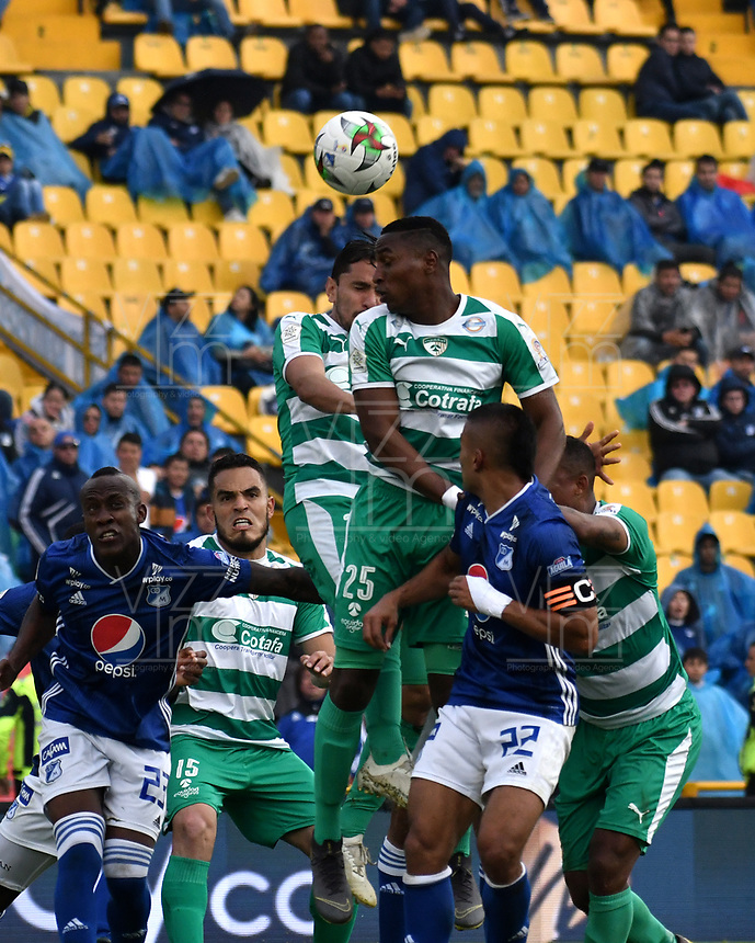 BOGOTÁ-COLOMBIA, 17–08-2019: Jhon Duque de Millonarios y Neider Barona de La Equidad disputan el balón, durante partido entre Millonarios y La Equidad de la fecha 6 por la Liga Águila II 2019  jugado en el estadio Nemesio Camacho El Campín de la ciudad de Bogotá. / Jhon Duque of Millonarios and Neider Barona of La Equidad figth for the ball, during a match between Millonarios and La Equidad of the 6th date for the Aguila Leguaje II 2019 played at the Nemesio Camacho El Campin Stadium in Bogota city, Photo: VizzorImage / Luis Ramírez / Staff.