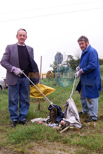 Jim Hanratty and Gerard Weldon of the Broomfield and residents association who are cleaning up thier area..Picture: Paul Mohan/Newsfile