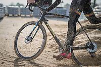 sandy action<br /> <br /> Elite Men's course recon <br /> Soudal Jaarmarktcross Niel 2016