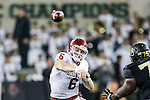 Oklahoma Sooners quarterback Baker Mayfield (6) in action during the game between the Oklahoma Sooners and the Baylor Bears at the McLane Stadium in Waco, Texas. OU defeats Baylor 44 to 34.
