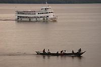 Barcos  atravessam a baia de Marajó.<br /> Marajó, Pará, Brasil.<br /> 06/05/2006<br /> Foto Paulo Santos/Interfoto