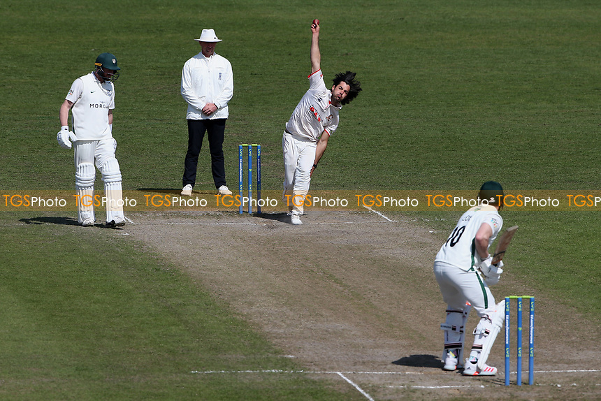 Shane Snater of Essex bowls to Ben Cox during Worcestershire CCC vs Essex CCC, LV Insurance County Championship Group 1 Cricket at New Road on 2nd May 2021
