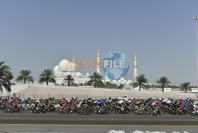 The peleton in action during Stage 3 of the 2018 Abu Dhabi Tour, Nation Towers Stage running 133km from Nation Towers to Big Flag, Abu Dhabi, United Arab Emirates. 23rd February 2018.<br /> Picture: LaPresse/Fabio Ferrari | Cyclefile<br /> <br /> <br /> All photos usage must carry mandatory copyright credit (© Cyclefile | LaPresse/Fabio Ferrari)