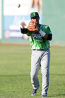 Eugene Emeralds third baseman Adonis Paula (16) warms up prior to a game against the Everett Aquasox at Everett Memorial Stadium in Everett, Washington.  Eugene defeated Everett 7-5. (Ronnie Allen/Four Seam Images)
