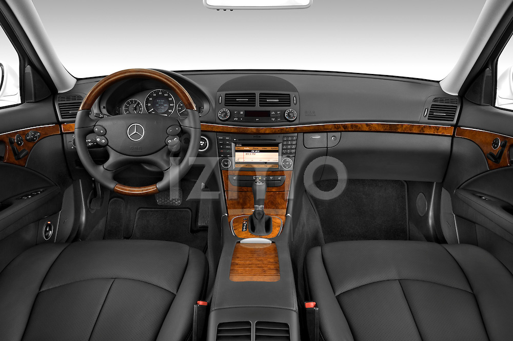 Straight dashboard view of a 2009 Mercedes E Class Wagen 350.