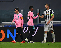Football Soccer: UEFA Champions League -Group Stage-  Group G - Juventus vs FC Barcellona, Allianz Stadium. Turin, Italy, October 28, 2020.<br /> Barcellona's players greet Juventus' players after winning 2-0 the Uefa Champions League football soccer match between Juventus and Barcellona at Allianz Stadium in Turin, October 28, 2020.<br /> UPDATE IMAGES PRESS/Isabella Bonotto