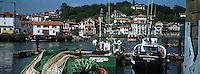 Europe/France/Aquitaine/64/Pyrénées-Atlantiques/Ciboure: le village et le port de Saint-Jean-de-Luz