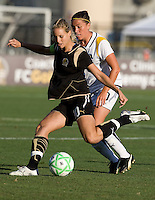 23 July 2009:  Leslie Osborne of the FC Gold Pride in action during the game against LA Sol at Buck Shaw Stadium in Santa Clara, California.   FC Gold Pride tied Los Angeles Sol, 0-0.