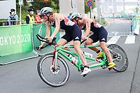 28th August 2021; Tokyo, Japan; Melissa Reid (GBR),  Triathlon : Women's PTVI  during the Tokyo 2020 Paralympic Games at the Odaiba Marine Park in Tokyo, Japan.