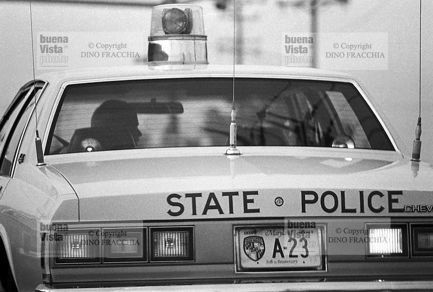 - Police car....- auto della polizia....