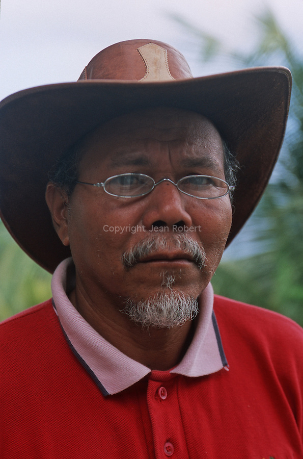 Charles Williams, the head of the Carib Council Office, operates a cottage in the village of Salybia,<br /> Charles Williams le chef du Carib Council Office, soccupe dun gite au village de  Salybia,