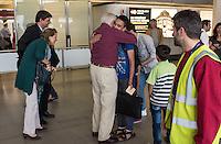 Fluechtlinspaten Syrien e.V. in Berlin.<br /> Empfang der Mutter und Brueder von Majd am Flughafen Tegel.<br /> In der Bildmitte: Fluechtlingspate Peter Kuttner umarmt einen der Brueder von Majd (hinten mit beigem Hemd).<br /> Links im Bild: Rechtsanwalt Ulrich Karpenstein vom Verein Fluechtlingspaten-Syrien e.V. und seine Ehefrau.<br /> 17.6.2015, Berlin<br /> Copyright: Christian-Ditsch.de<br /> [Inhaltsveraendernde Manipulation des Fotos nur nach ausdruecklicher Genehmigung des Fotografen. Vereinbarungen ueber Abtretung von Persoenlichkeitsrechten/Model Release der abgebildeten Person/Personen liegen nicht vor. NO MODEL RELEASE! Nur fuer Redaktionelle Zwecke. Don't publish without copyright Christian-Ditsch.de, Veroeffentlichung nur mit Fotografennennung, sowie gegen Honorar, MwSt. und Beleg. Konto: I N G - D i B a, IBAN DE58500105175400192269, BIC INGDDEFFXXX, Kontakt: post@christian-ditsch.de<br /> Bei der Bearbeitung der Dateiinformationen darf die Urheberkennzeichnung in den EXIF- und  IPTC-Daten nicht entfernt werden, diese sind in digitalen Medien nach §95c UrhG rechtlich geschuetzt. Der Urhebervermerk wird gemaess §13 UrhG verlangt.]