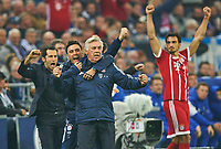 f Trainer Cheftrainer Carlo Ancelotti (FCB) celebration 0-3  Arturo VIDAL, FCB 23 celebration, celebration, celebrates, Freude, , Feiern, Lachen, celebrates, freuen,  reisst die Arme hoch, ballt die Faust Mats HUMMELS, FCB 5  Co-Trainer FCB Davide Ancelotti, Hasan ( Brazzo ) Salihamidzic, FCB sport director  <br /> FC SCHALKE 04 - FC BAYERN MUENCHEN <br /> Football 1. Bundesliga , Gelsenkirchen,19.09.2017, 5. match day,  2017/2018, 1.Liga, 1.Bundesliga,FCB<br />  *** Local Caption *** © pixathlon<br /> Contact: +49-40-22 63 02 60 , info@pixathlon.de