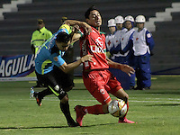 TUNJA -COLOMBIA, 24-02-2016. Mauricio Gomez (Der)jugador de Patriotas FC disputa el balón con Stalin Motta (Izq) jugador de La Equidad durante partido por la fecha 6 de la Liga Águila I 2016 realizado en el estadio La Independencia en Tunja./ Mauricio Gomez (R) player of Patriotas FC fights for the ball with Stalin Motta (L) player of La Equidad during match for the date 6 of Aguila League I 2016 at La Independencia stadium in Tunja. Photo: VizzorImage/César Melgarejo/ Cont