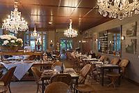 Europe/France/Aquitaine/Gironde/Bassin d'Arcachon/Cap Ferret: Salle du restaurant La Maison du Bassin et son Bistrot, 5, rue des Pionniers
