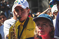 CARACAS - VENEZUELA, 04-03-2019: Cientos de personas celebran el regreso de Juan Guaidó, presidente interino de Venezuela, quien arribó a la nación a través del aeropuerto internacional de Maiquetía este 4 de marzo. En caravana se trasladó hasta la plaza Alfredo Sadel en Las Mercedes, donde cientos de manifestantes lo esperaban. Allí agradeció a su esposa por acompañarlo durante la travesía, y enfatizó que los militares no cumplieron la orden de detenerlo. Es una operación secreta Guaidó logró viajar de Panamá a Venezuela sin inconvenientes. / Hundred op people celebrate the return of Juan Guaidó, interim president of Venezuela, who arrived to the nation through the Maiquetia international airport on March 4. In caravan, he moved to Alfredo Sadel Square in Las Mercedes, Caracas, where hundreds of protesters were waiting for him. There he thanked his wife for accompanying him during the crossing, and emphasized that the military did not comply with the order to arrest him. It is a secret operation. Guaido travel from Panama to Venezuela without problems. Photo: VizzorImage / Carolain Caraballo / Cont