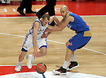 Asefa Estudiantes' Albert Oliver (r) and Real Madrid's Sergio Rodriguez during ACB match.September 30,2010. (ALTERPHOTOS/Acero)