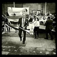 Aegypter demonstrieren anlaesslich des Besuches des aegyptischen Praesidenten Mursi fur den Praesidenten.<br /> 3.6.2015, Berlin<br /> Copyright: Christian-Ditsch.de<br /> [Inhaltsveraendernde Manipulation des Fotos nur nach ausdruecklicher Genehmigung des Fotografen. Vereinbarungen ueber Abtretung von Persoenlichkeitsrechten/Model Release der abgebildeten Person/Personen liegen nicht vor. NO MODEL RELEASE! Nur fuer Redaktionelle Zwecke. Don't publish without copyright Christian-Ditsch.de, Veroeffentlichung nur mit Fotografennennung, sowie gegen Honorar, MwSt. und Beleg. Konto: I N G - D i B a, IBAN DE58500105175400192269, BIC INGDDEFFXXX, Kontakt: post@christian-ditsch.de<br /> Bei der Bearbeitung der Dateiinformationen darf die Urheberkennzeichnung in den EXIF- und  IPTC-Daten nicht entfernt werden, diese sind in digitalen Medien nach §95c UrhG rechtlich geschuetzt. Der Urhebervermerk wird gemaess §13 UrhG verlangt.]