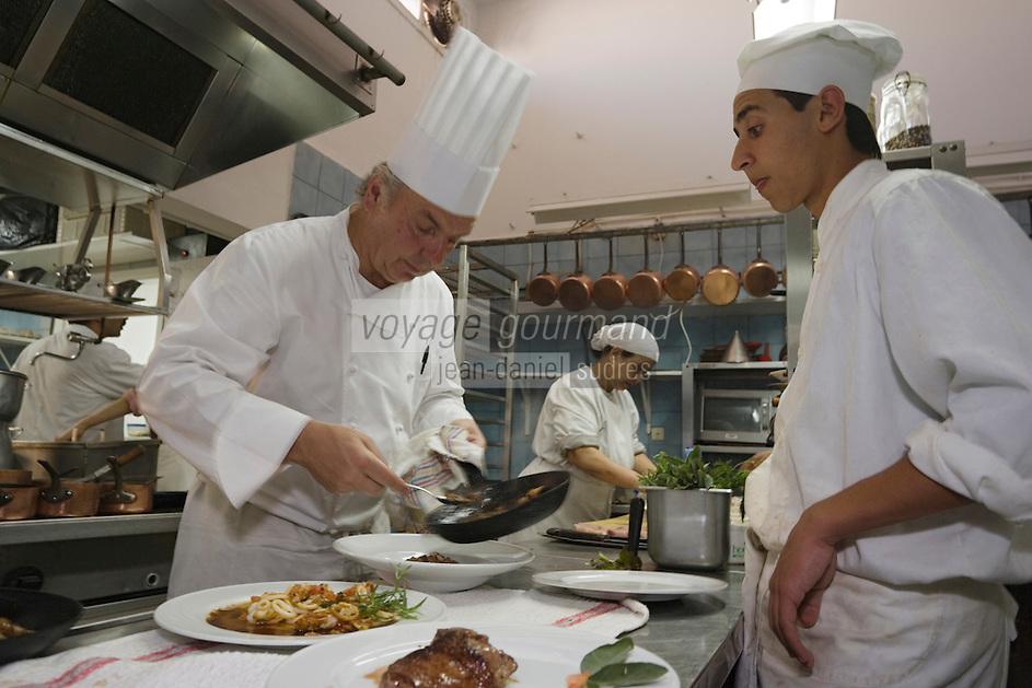 """Afrique/Afrique du Nord/Maroc /Casablanca: restaurant de Jacky Rolling """"Le Rétro"""" -Jacky Rolling en cuisine"""
