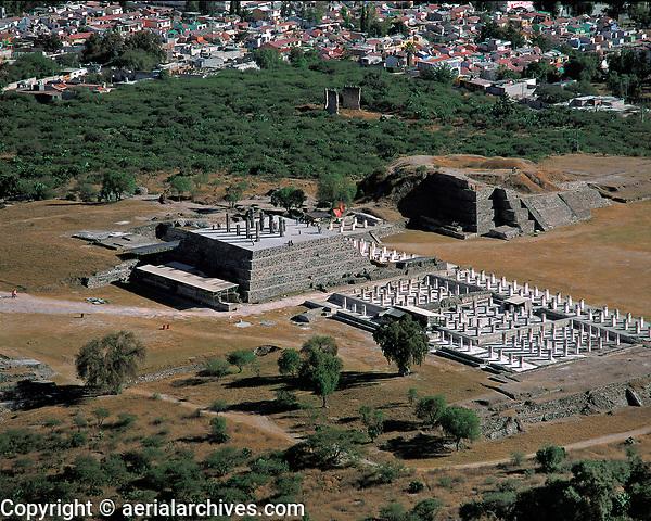 aerial photograph of the Gigantes de Tula, archeological site, Tula, Mexico fotografía aérea de los Gigantes de Tula, sitio arqueológico, Tula, México