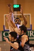 090404 National Basketball League - Saints v Cougars