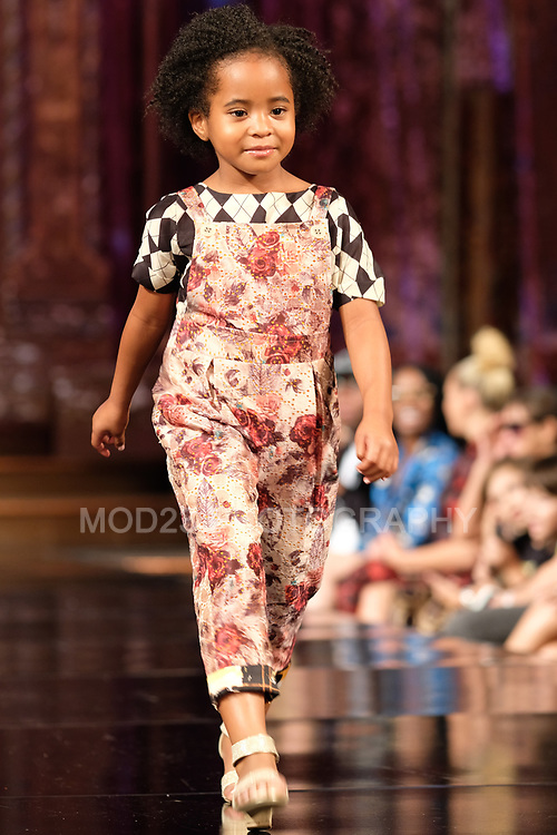 Angel Orensanz, moda, Runway Show, Mac Duggal  FW18  Collection at ArtHearts New York Fashion Week, ANGEL ORENSANZ, #arthearts, #nyfw