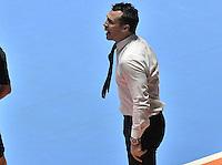 CALI -COLOMBIA-01-10-2016: Diego Giustozzi (ARG) técnico de Argentina gesticula durante el encuentro entre Rusia y Argentina por la final de la Copa Mundial de Futsal de la FIFA Colombia 2016 jugado en el Coliseo del Pueblo en Cali, Colombia. / Diego Giustozzi (ARG) coach of Argentina gestures during the match between Rusia and Argentina for the final of the FIFA Futsal World Cup Colombia 2016 played at Metropolitan Coliseo del Pueblo in Cali, Colombia. Photo: VizzorImage/ Gabriel Aponte / Staff