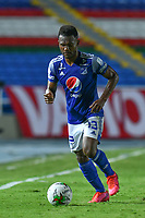 CALI – COLOMBIA, 07-11-2020: Elvis Salazar del Millonarios en acción durante el partido entre América de Cali y Millonarios FC por la fecha 18 de la Liga BetPlay DIMAYOR I 2020 jugado en el estadio Pascual Guerrero de la ciudad de Cali. / Elvis Salazar of Millonarios in action during match between America de Cali and Millonarios FC for the date 18 as part of BetPlay DIMAYOR League I 2020 played at the Pascual Guerrero stadium in Cali city. Photos: VizzorImage / Nelson Rios / Cont