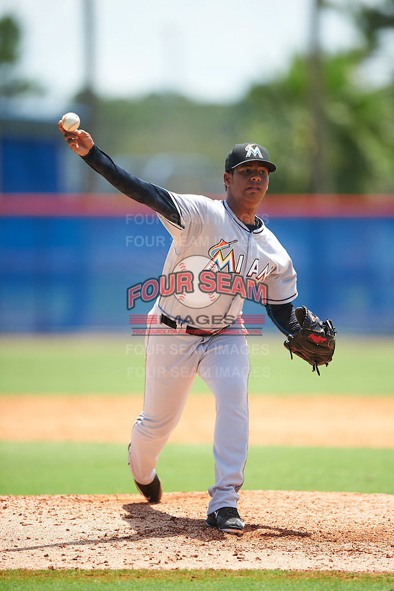 GCL Marlins relief pitcher Luis Mojica (17) during a game against the GCL Mets on August 12, 2016 at St. Lucie Sports Complex in St. Lucie, Florida.  GCL Marlins defeated GCL Mets 8-1.  (Mike Janes/Four Seam Images)