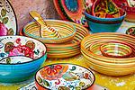 Frankreich, Provence-Alpes-Côte d'Azur, Menton: Keramikschuesseln | France, Provence-Alpes-Côte d'Azur, Menton: ceramic bowls