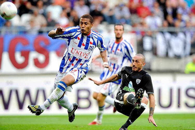 voetbal sc heerenveen - paok saloniki voorronde europa leaque seizoen 2009-2010 27-08-2009 uithaal paulo henrique.